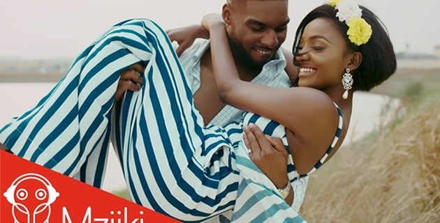 "<h3>WATCH SIMI'S LATEST MUSIC VIDEO FOR SINGLE ""COMPLETE ME""</h3><br />Highly talented Nigerian singer, Simi shares the official music video to her love single titled ""Complete Me"".